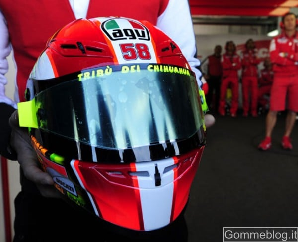 Un casco per Sic: Vale omaggia Marco Simoncelli 1