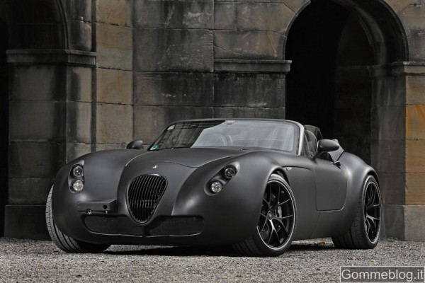 Wiesmann MF5 Black Bat, una Batmobile con gomme Michelin PS2 e cerchi BBS