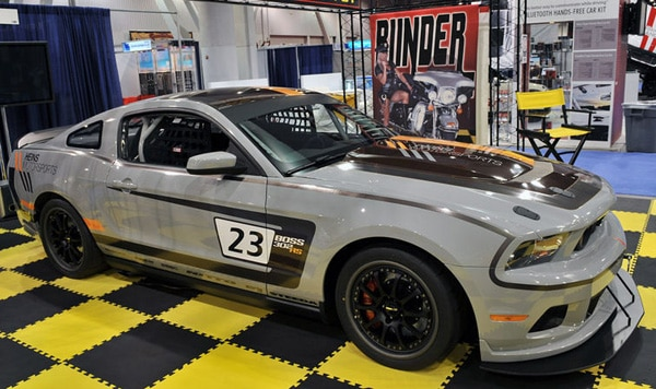 Ford Mustang Boss 302 Heins Motorsports, 440 Cv e gomme Nitto NT01