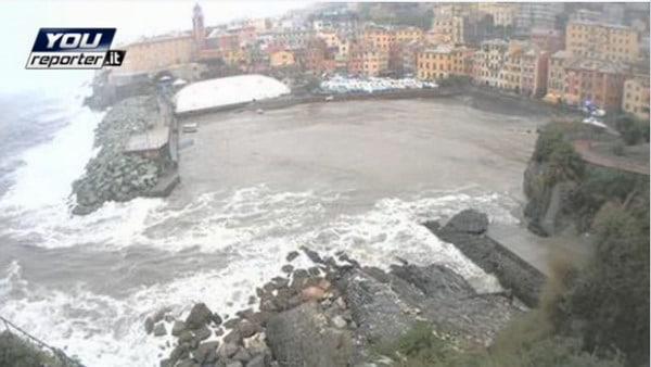 Maltempo Liguria Allerta Autostrade: Chiusa la A12 a Genova
