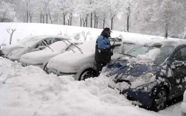 Ancona: Pneumatici invernali o catene da neve obbligatori sino a 15 Aprile