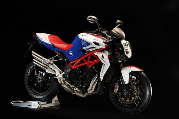 Nuova Brutale RR 1090: una Superbike senza carena a EICMA 2011 2