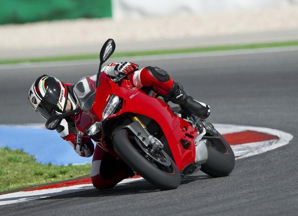 Ducati Riding Experience 2012: al via I famosi corsi di guida Ducati