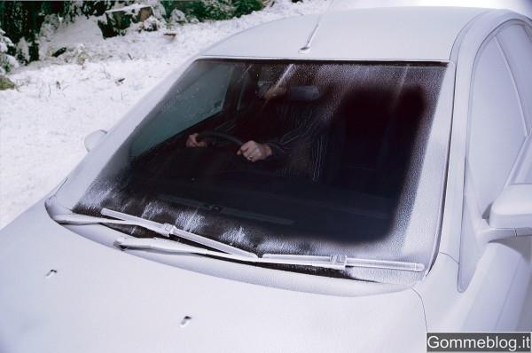 Ghiaccio sul parabrezza: con Ford Quickclear solo un antico ricordo. 2