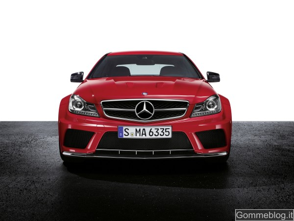 Mercedes C 63 AMG Coupé Black Series: tecnica e performance di questa Supercar 3