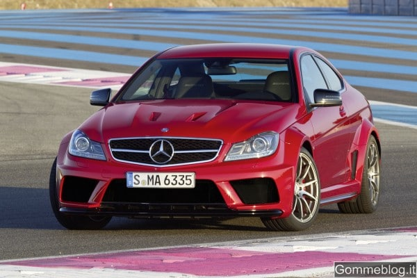 Mercedes C 63 AMG Coupé Black Series: tecnica e performance di questa Supercar 13