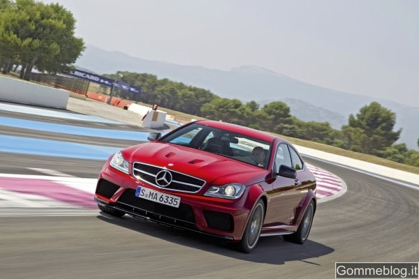 Mercedes C63 AMG Black Series Coupe: regina del Nurburgring in 7:46