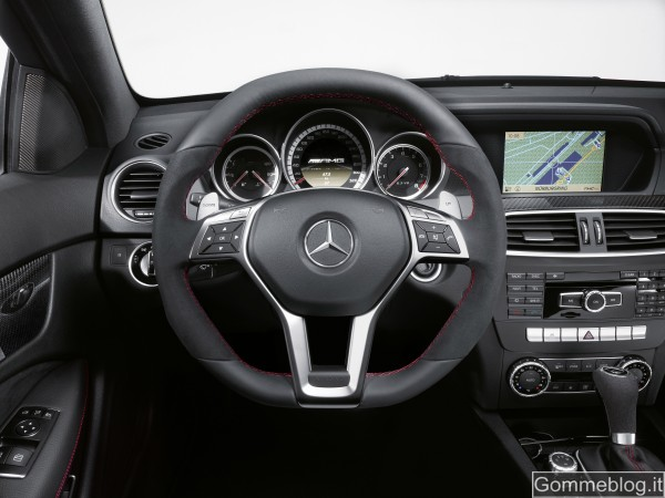 Mercedes C 63 AMG Coupé Black Series: tecnica e performance di questa Supercar 7