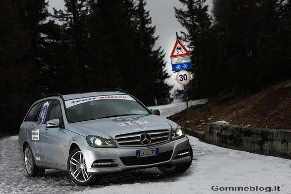 Come guidare in inverno: la guida su neve, dalla partenza alla frenata