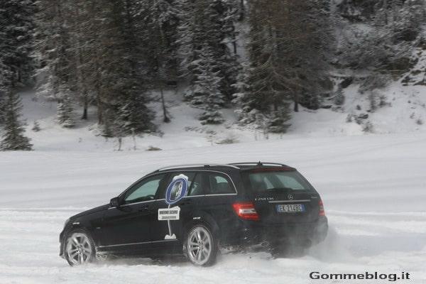 Come guidare in inverno: la guida su neve, dalla partenza alla frenata 2