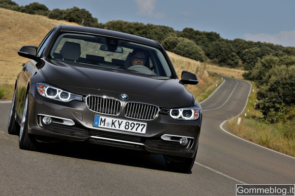 "Nuova BMW Serie 3 berlina: ""Perfect Movement"""
