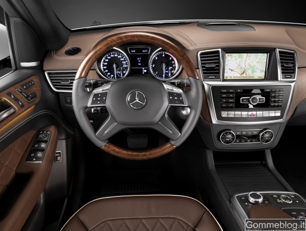 """Mercedes Classe M: analizziamo da vicino il nuovo SUV della """"Stella"""" 10"""