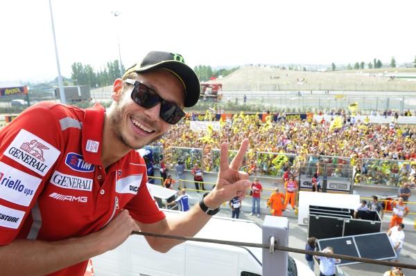 Valentino Rossi incontra i suoi Fan: mercoledì 21 livestreaming su Dainese.com