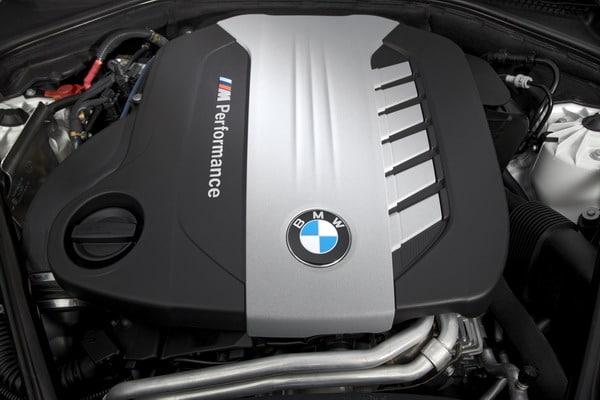 Tutte le caratteristiche del nuovo motore BMW M diesel con 3 turbocompressori