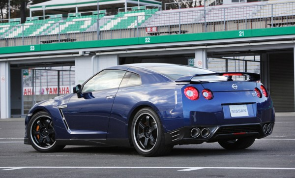Nissan GT-R 2013: 545 CV e 0 – 100 in 2.7 secondi