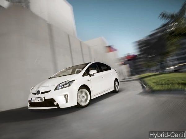 Toyota Prius 2012: tutta nuova ed estremamente tecnologica 1