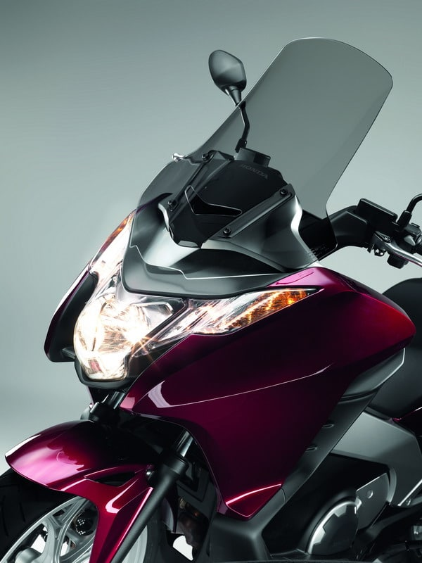 Honda Integra 2012: Prestazioni da moto, Comfort da scooter 5