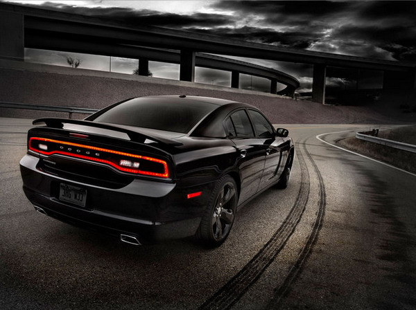 Dodge Charger Blacktop: quando il nero domina la scena