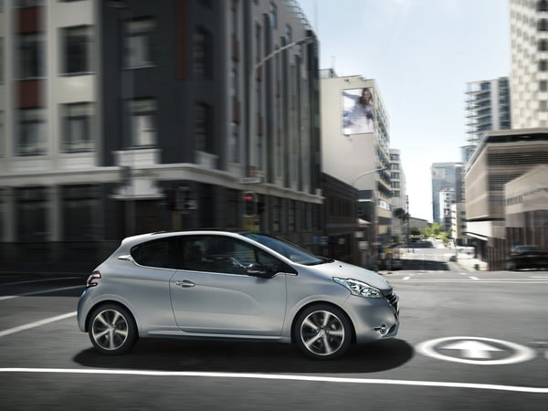 "Peugeot 208 ""Ice Velvet"" Limited Edition 7"