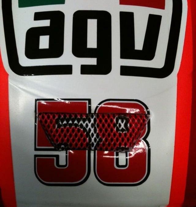 MotoGP 2012: Valentino Rossi e il nuovo casco dedicato a Sic