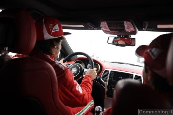Jeep Grand Cherokee SRT8 si veste di Rosso Ferrari 2