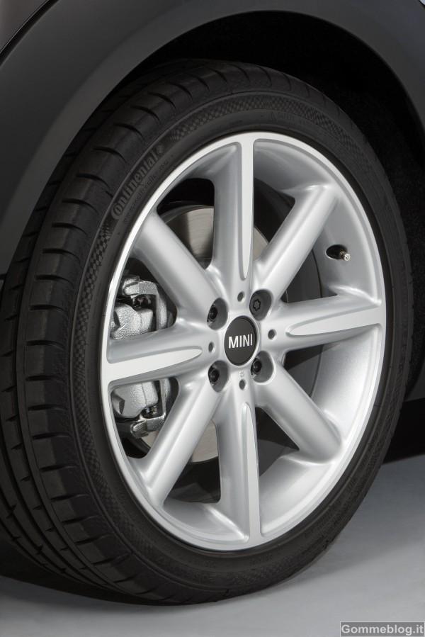 MINI Cabrio Highgate: aperta e dall'aria esclusiva 3