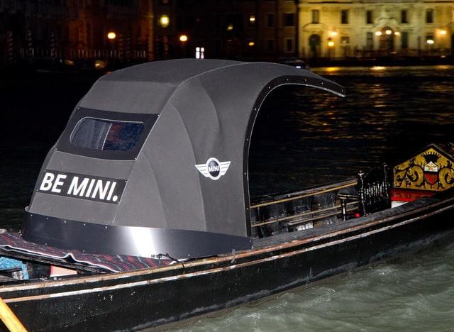 """A Venezia Gondole a forma di MINI: via il """"felze"""", arriva la """"Capote"""""""