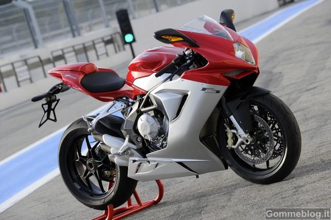 La nuova MV Agusta F3 calza pneumatici Pirelli Diablo Rosso Corsa 3