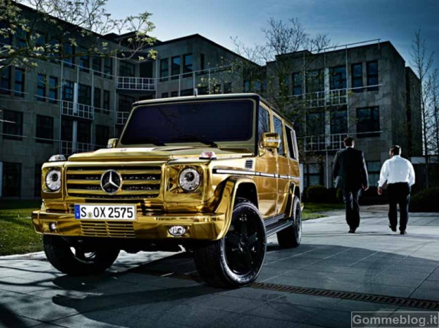 Una Mercedes Classe G tutta d'oro per celebrare i suoi successi