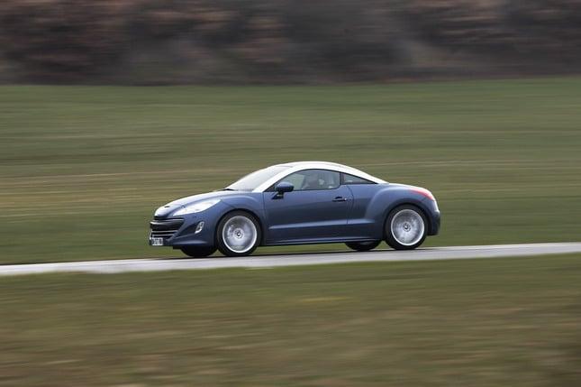 Peugeot ad Automotoretrò: dalla 504 coupé alla RCZ 3