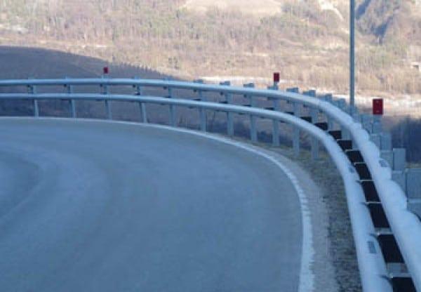 """Guard Rail. Tecnica stradale: Il """"duro"""" di gomma !!"""