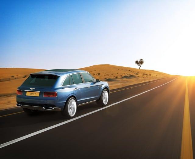 Bentley EXP 9 F: concept suv destinato ad esaltare lusso e prestazioni 4