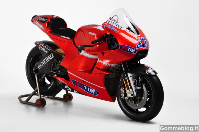 MotoGP: all'asta una Ducati Desmosedici GP10 e una GP11 2