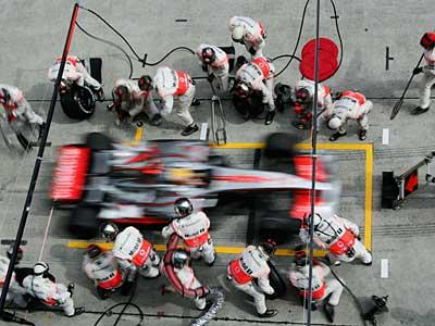 News Formula 1 2012: Attenzione controllo di velocità ai box!! 1