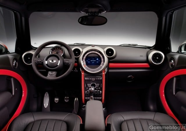 MINI John Cooper Works Countryman: divertimento di guida su ogni terreno 4