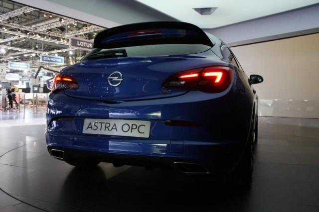 Opel al Salone di Ginevra 2012: tra Mokka e Astra OPC e … 3