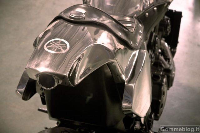 Yamaha Vmax Hyper Modified by Abnormal Cycles: The Italian Job!