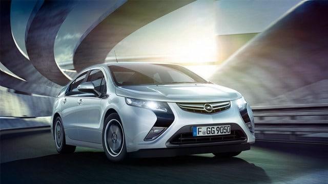 """Opel Ampera è """"Auto dell'Anno 2012"""""""