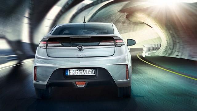 """Opel Ampera è """"Auto dell'Anno 2012"""" 2"""