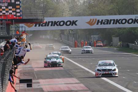 Pneumatici Hankook : buon inizio nei campionati italiani Superstars GT Sprint International Series