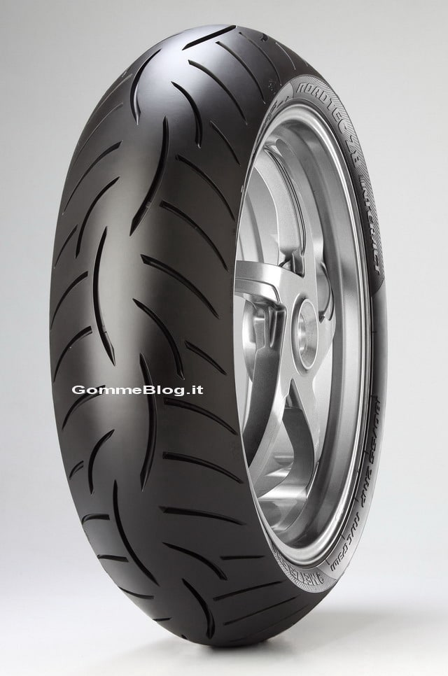 Metzeler Roadtec Z8 Interact Test pneumatici moto 2