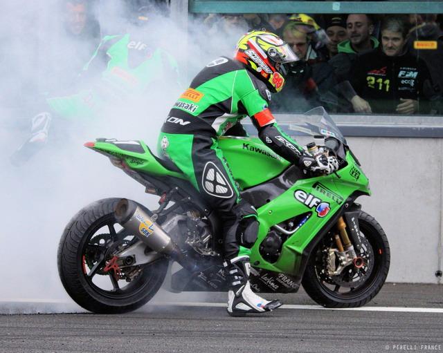 Pirelli vince il Bol D'or 2012 con il Team Kawasaki SRC 3