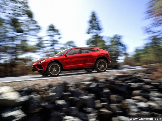 Lamborghini Urus: nuovo SUV ad elevate prestazioni