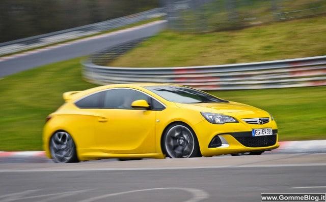 Auto Tecnica: l'esclusivo telaio ad alte prestazioni di Astra OPC