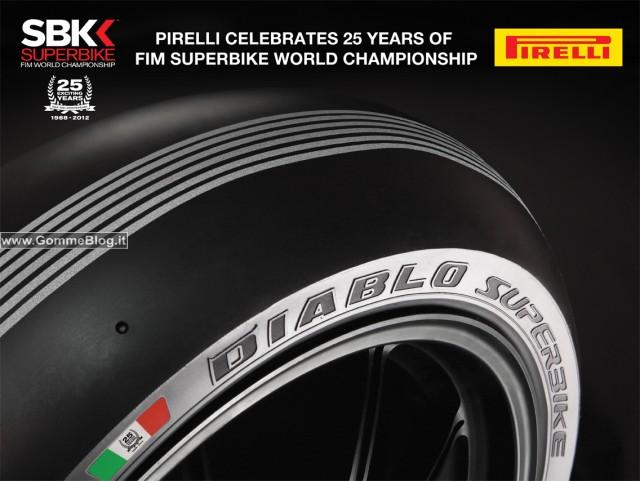 """Pirelli celebra a Monza i 25 anni del SBK con pneumatici da superpole in versione """"silver stripes"""""""
