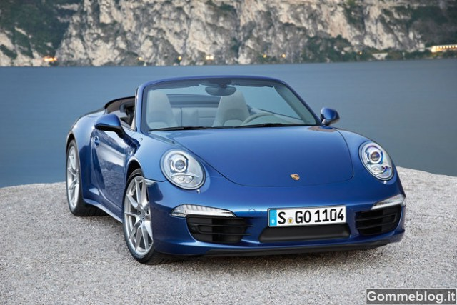 Nuova Porsche 911 Carrera 4: Più leggera, più veloce, più agile