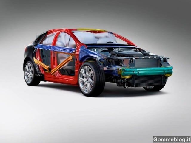 Nuova Volvo V40: punteggio Record nei Crash Test Euro NCAP 2012 [VIDEO]