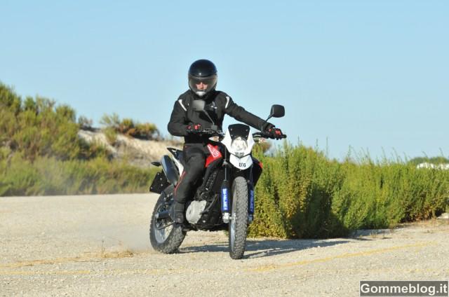 "Husqvarna TR650 ""Strada"" calza gomme moto Metzeler Tourance EXP 3"