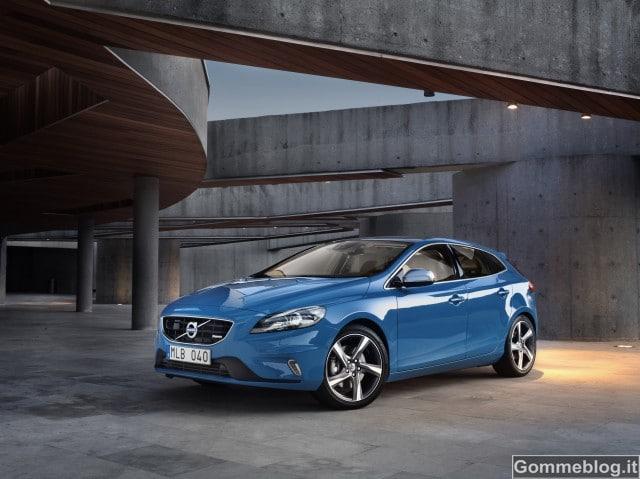 Volvo V40 R-Design: dalla D2 alla potente T5 con 254 CV