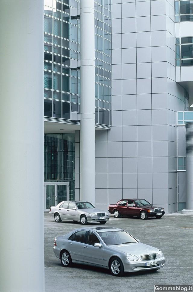 """Mercedes, 30 anni di Classe C: da """"Baby Benz"""" a Bestseller 7"""